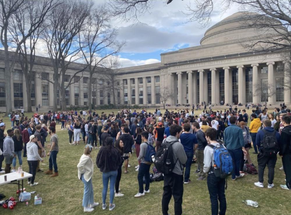 students gather on Killian Court at MIT