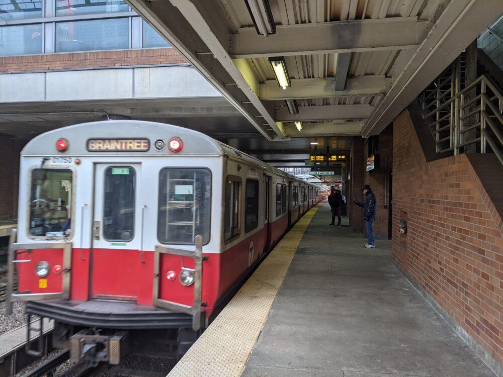 train heading to Braintree entering JFK/U Mass