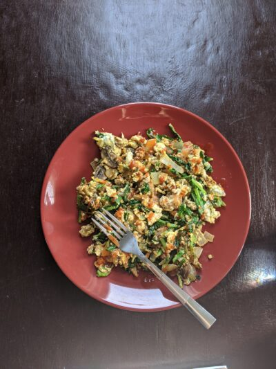 Picture of scrambled eggs and veggies