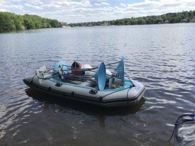 kayak holding methane traps